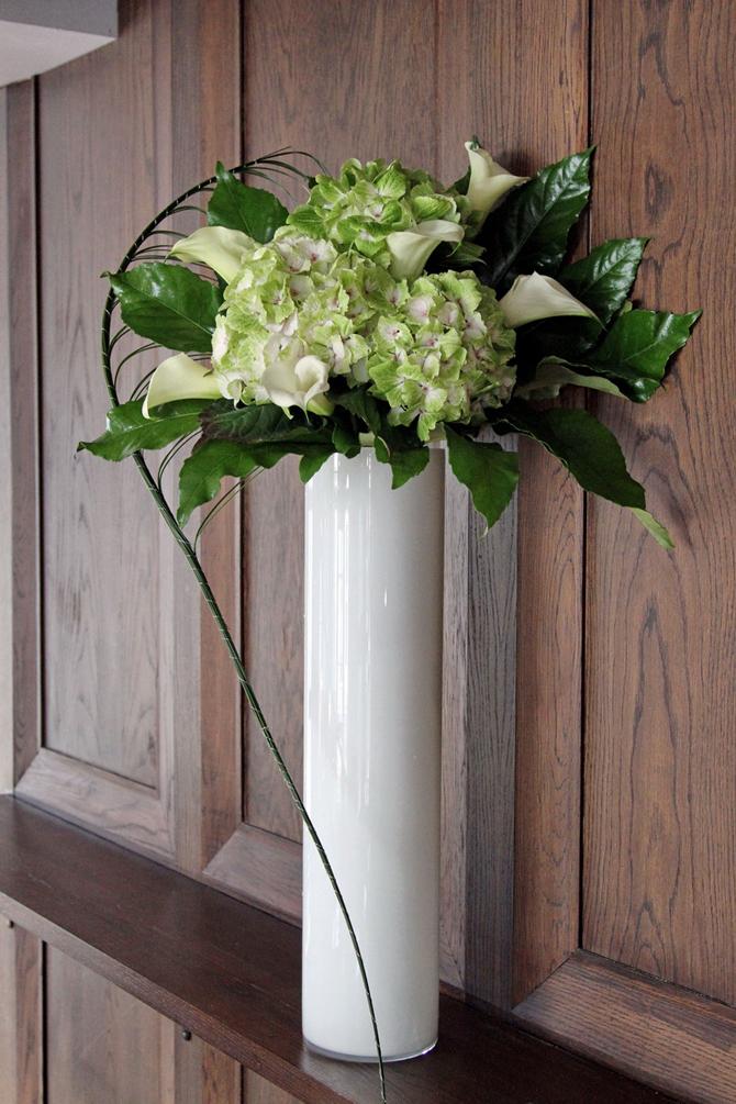 flower vase delivery uk