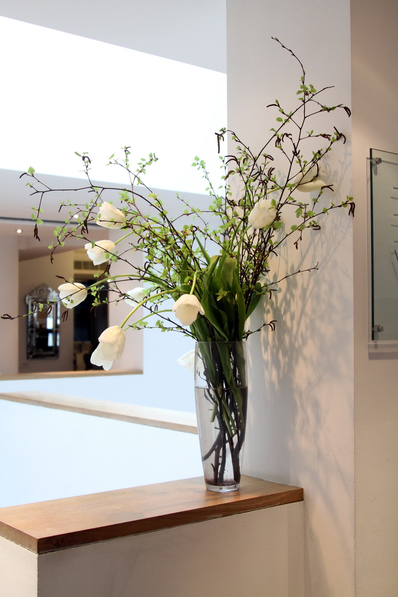 Corporate office flowers delivery london uk corporate flowers for the ideal workspace by uk florists at same day flower delivery company flowers24hours izmirmasajfo
