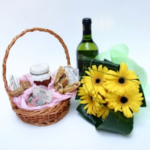 bouquet-with-red-wine