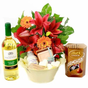"""Flowers & Love"" wine, chocolate and spa gift set from Flowers24Hours"