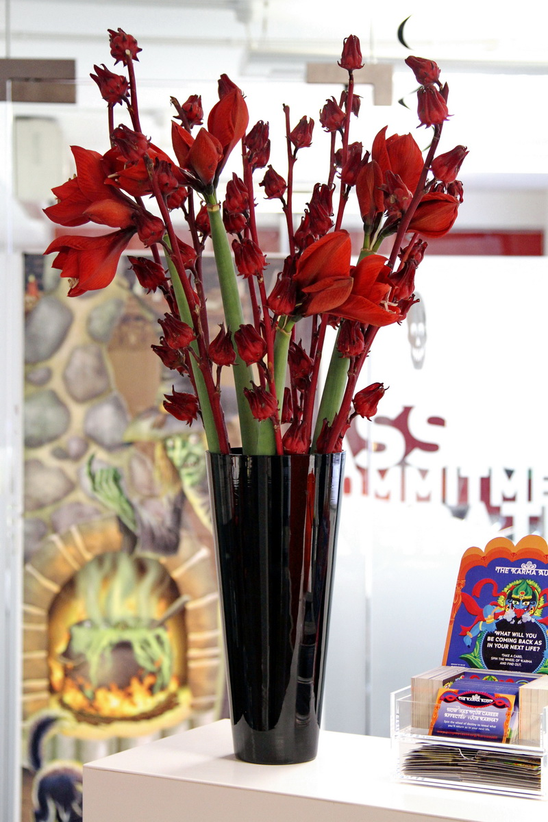 Red flowers ordered online. Flower delivery London same day and next day flower delivery UK