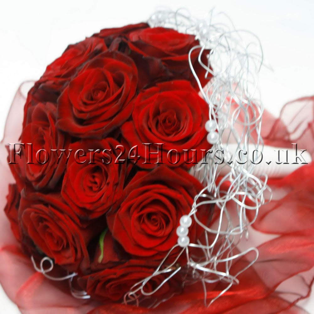 red-roses-bouquet-valentines-flower-delivery-london-uk