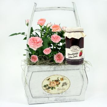 strawberry-roses-flowers-uk-next-day-delivery