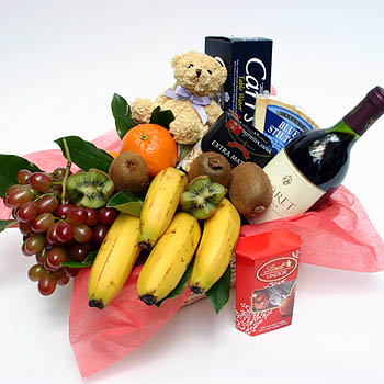 fruit-wine-and-gourmet-basket-free-flower-delivery-london-uk
