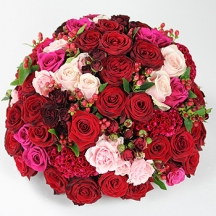 Triskelion: red and pink roses